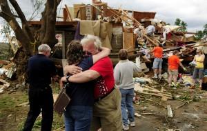 12 tornado06 300x190 SOLAR WALL