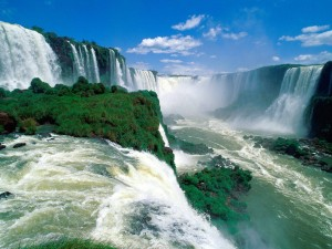 iguassu falls 1 300x225 W&W2